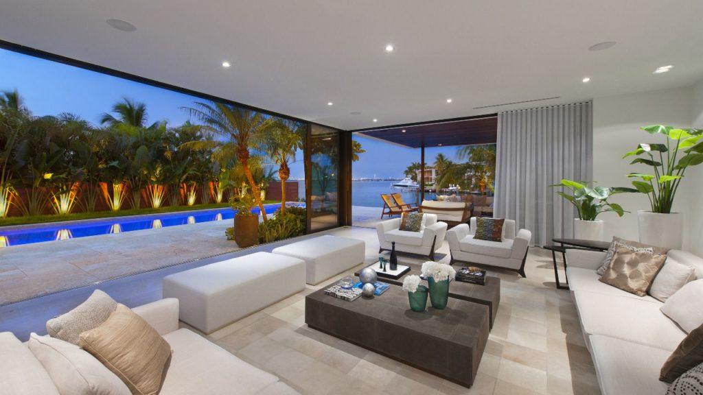 North Venetian Drive Home, luxury houses