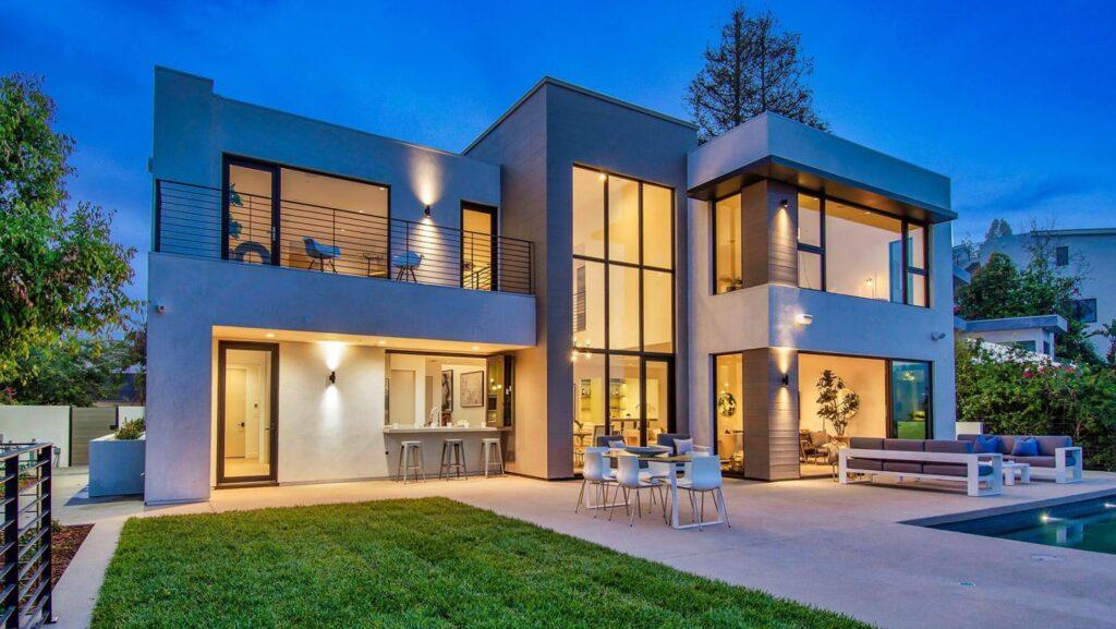 Breathtaking Views Linda Flora Drive Modern Home in Bel Air, California