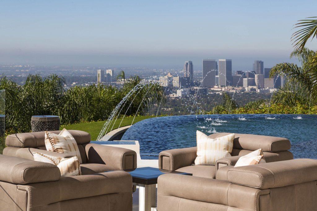 Home in Los Angeles, luxury houses