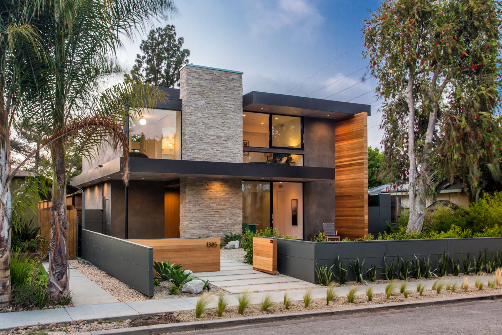 Modern Home Palms Boulevard in Venice, California by Electric Bowery