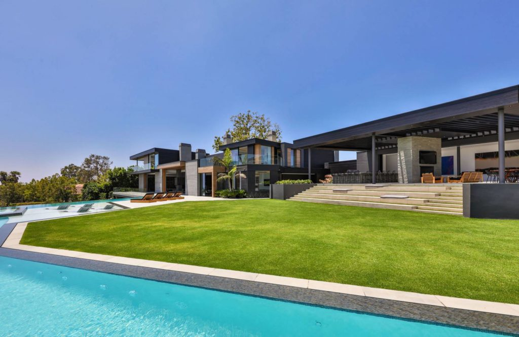 Gilcrest Drive Modern Mansion , luxury houses