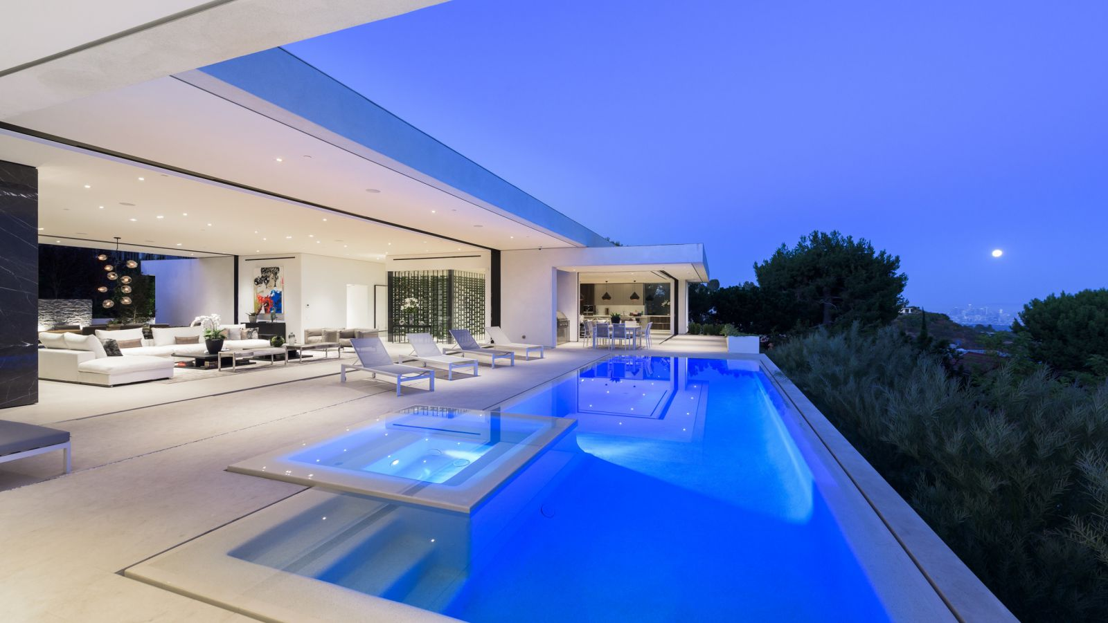 Carla Ridge Modern Masterpiece - an entertainer's paradise in Los Angeles