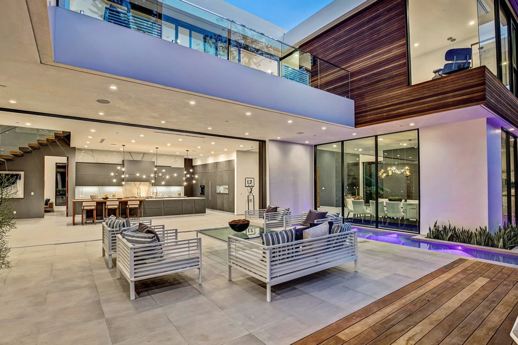 Extraordinary Valley Vista Modern Home in Los Angeles by C-Oliveria Design Studio, luxury houses