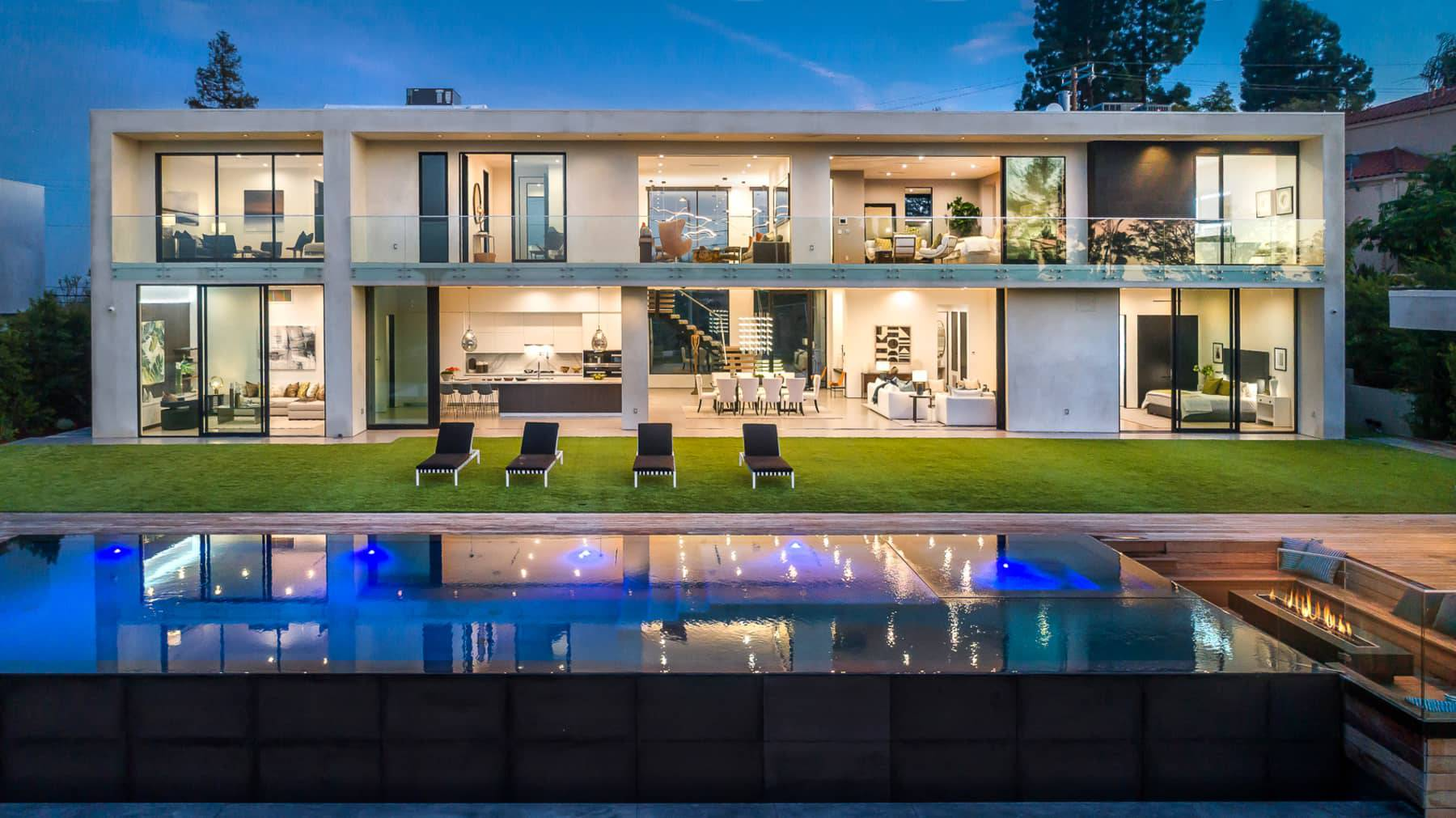 Oak View Modern Home in Encino, California By Meridith Baer Home