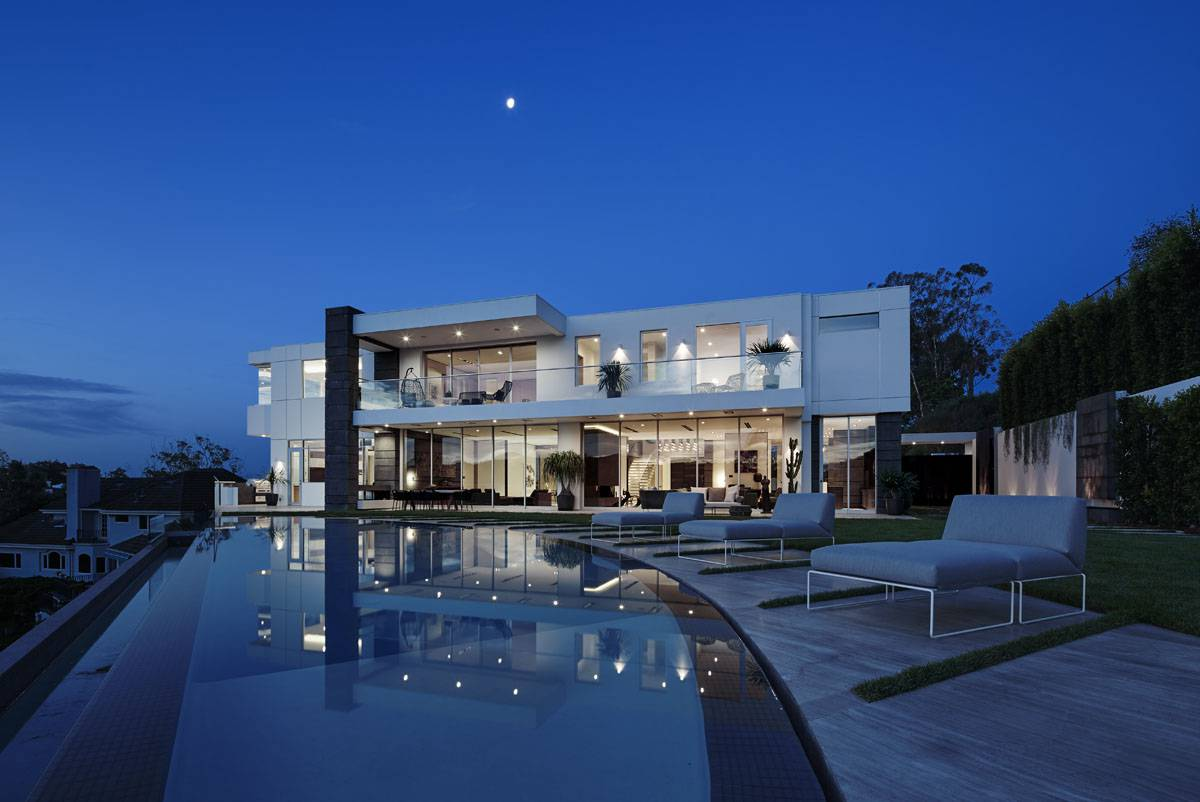 Gorgeous Bel Air modern home in Los Angeles by Tag Front Architects