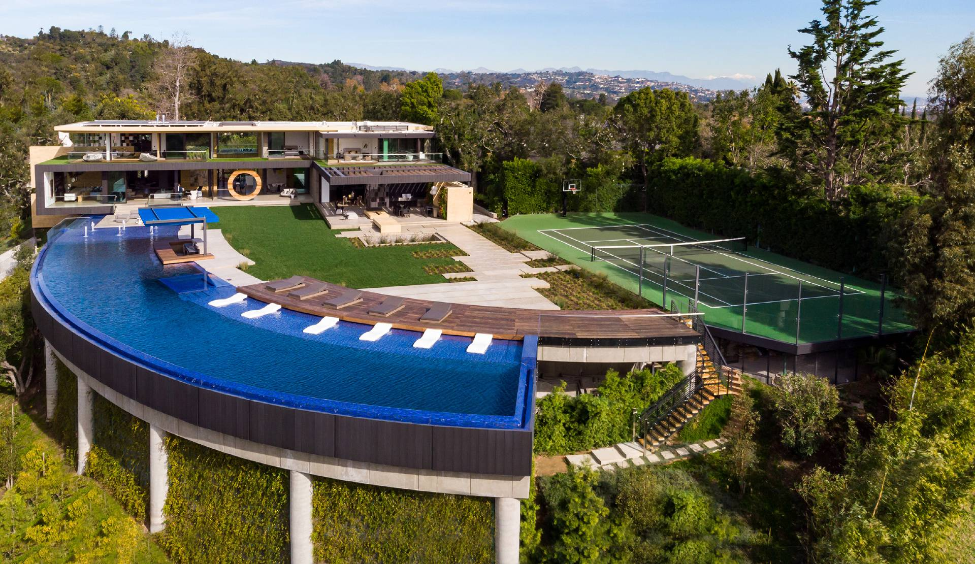 Bentley Circle Modern Mansion – The pinnacle of luxury living in Los Angeles