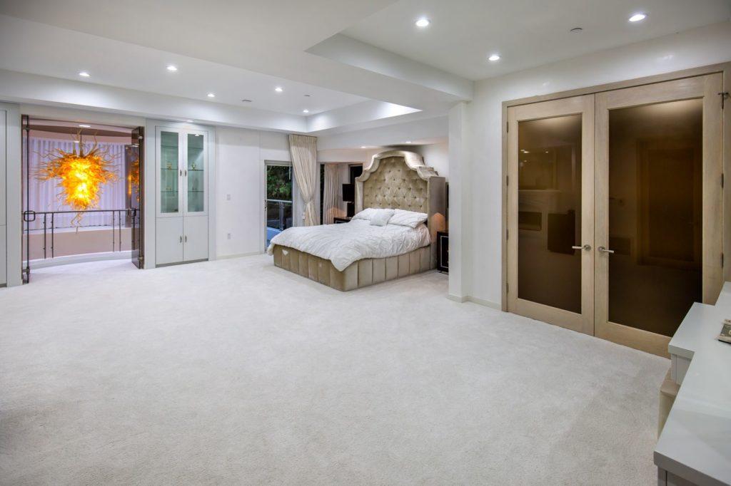 Georgina Avenue Modern Home, luxury houses