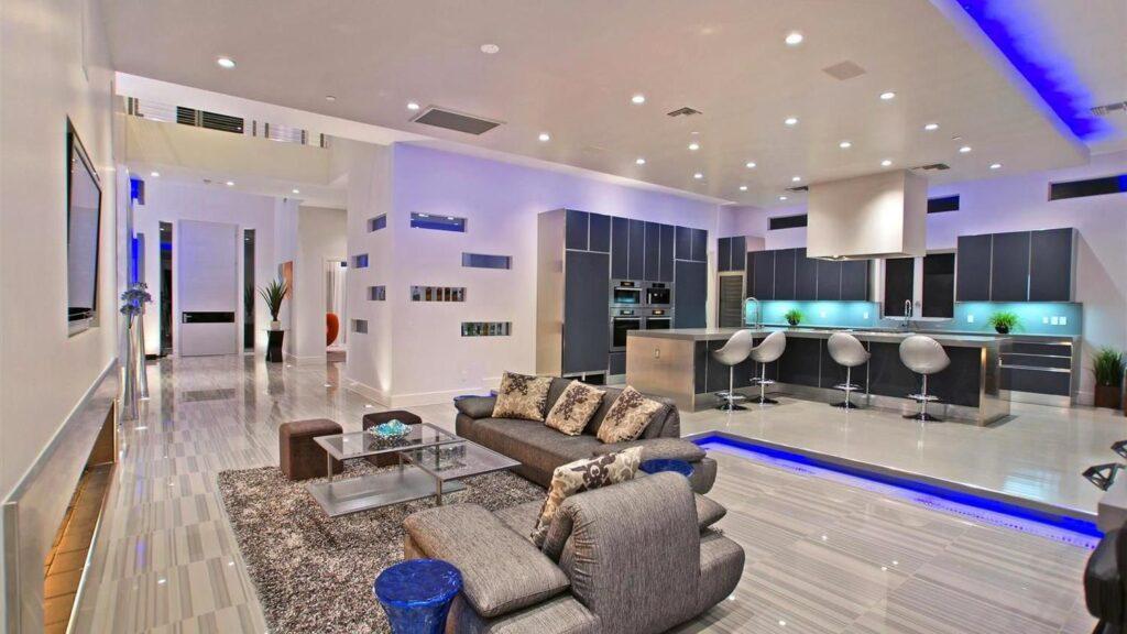 Fabulous Meadowhawk Lane Modern Home in Las Vegas by Mark Tracy