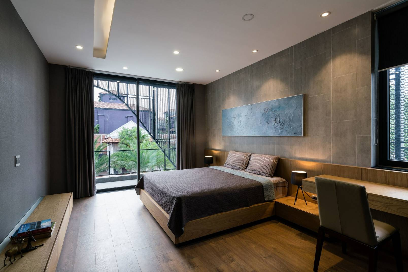 XTEN Architecture created an Iconic Property in Los Angeles with Great Room captures all best views to Los Angeles Down Town