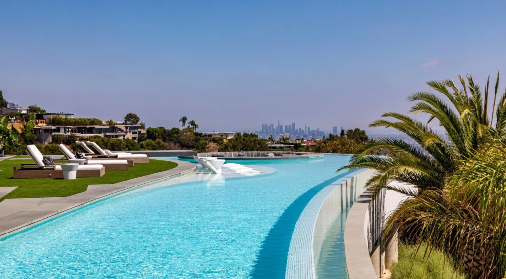 Elegant Robin Drive Modern Home in Los Angeles by Paul McClean