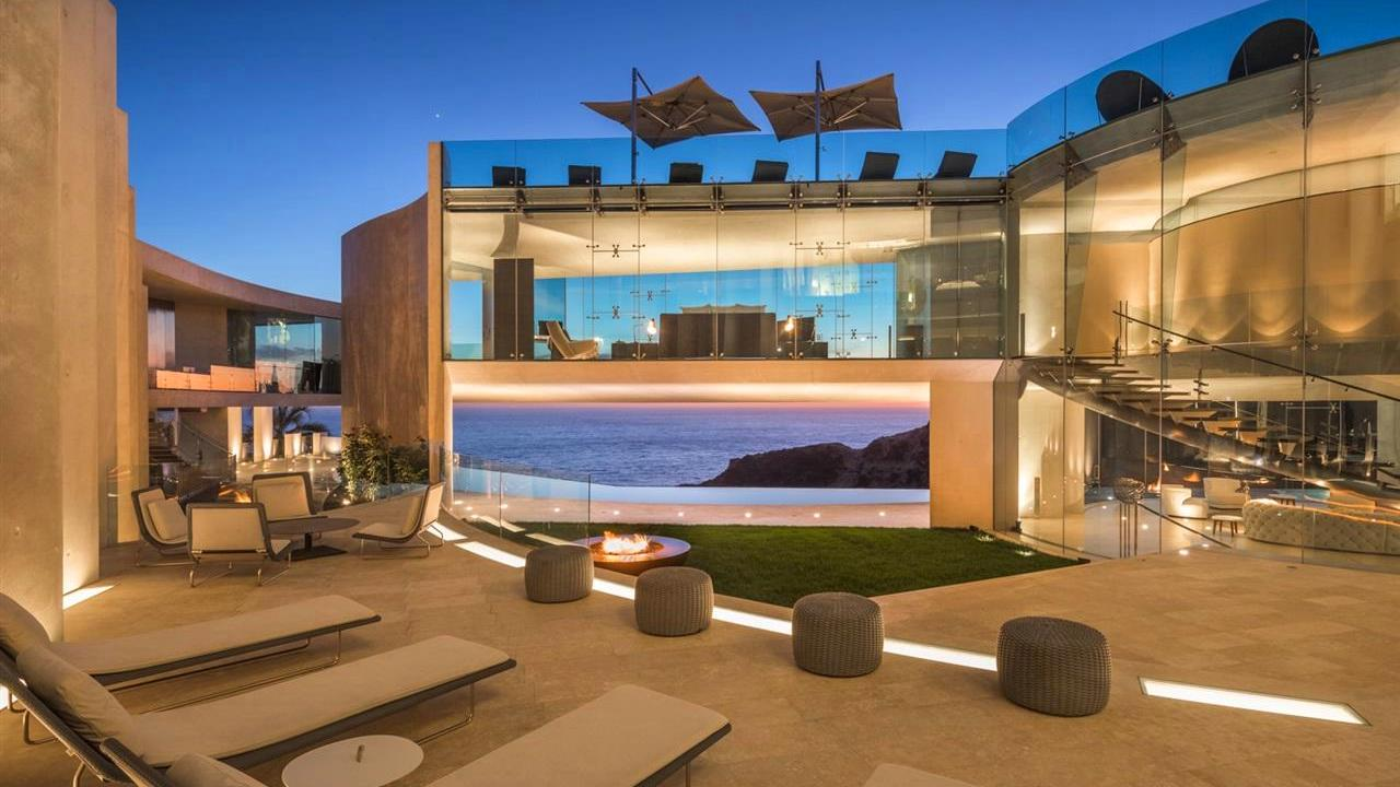 One Of A Kind Architectural Masterpiece Located In La Jolla California