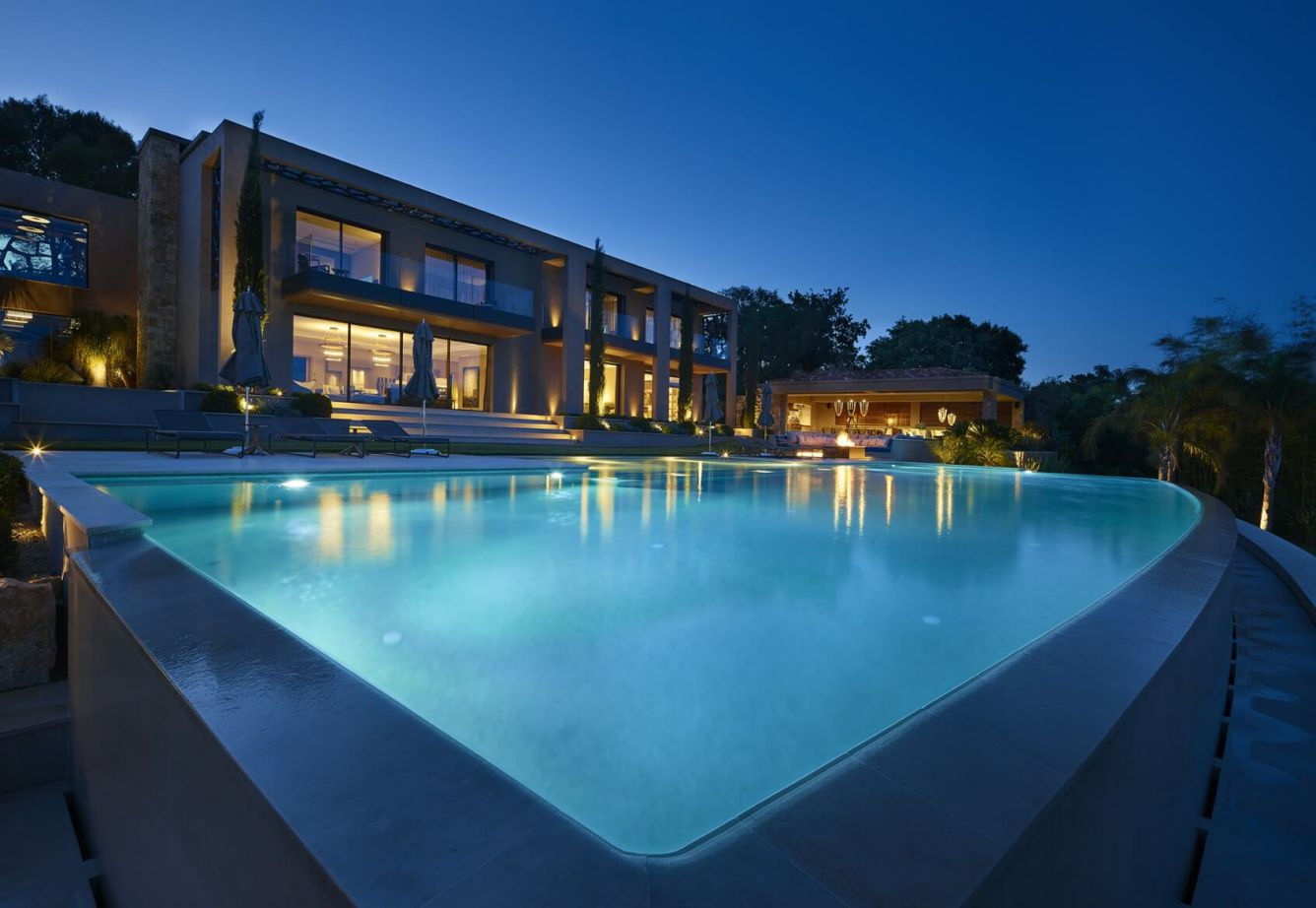 Contemporary Masterpiece in France, luxury houses