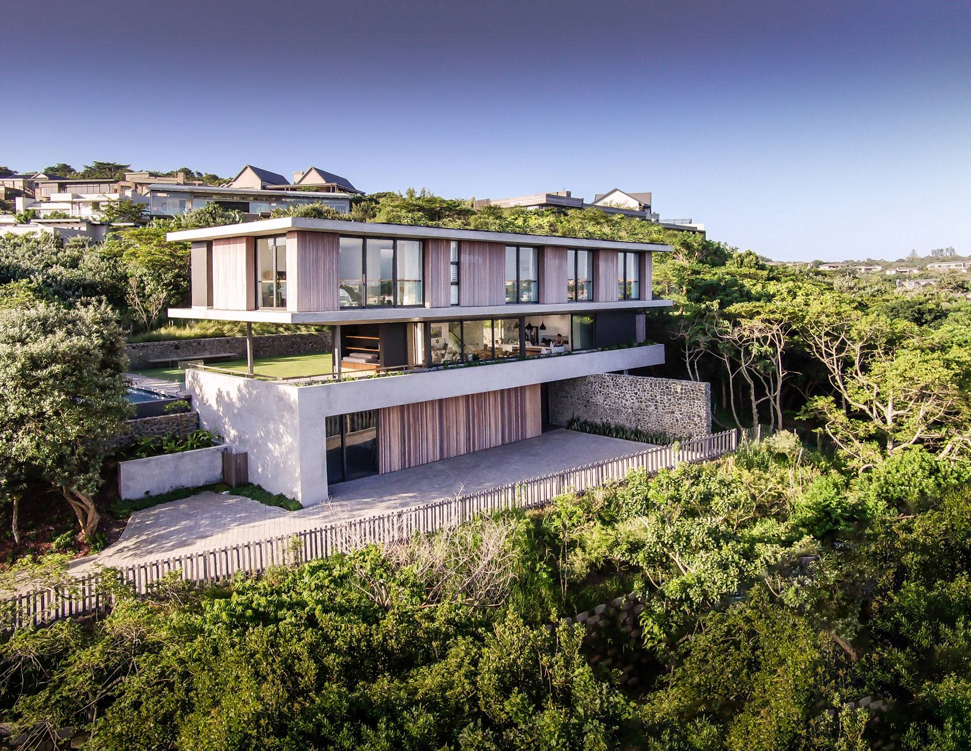 Spectacular Modern Home in South Africa by Bloc Architects