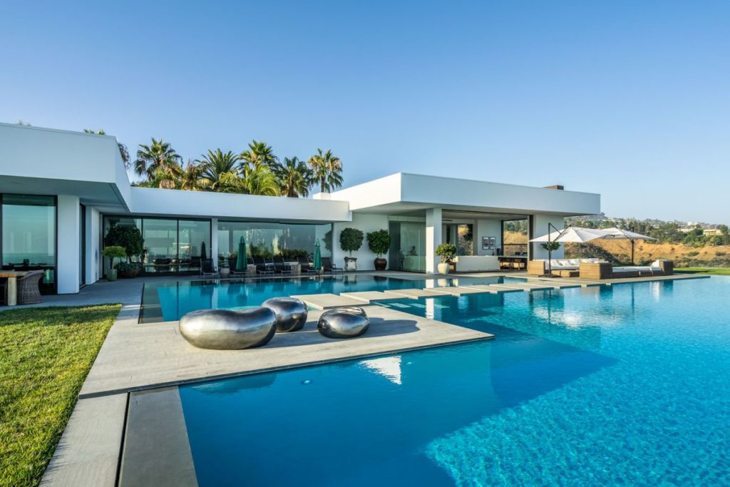 Modern Home in Beverly Hills, luxury house