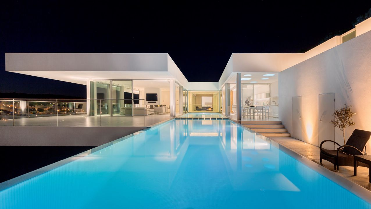 Luxurious Clifftop Villa in Algarve, Portugal by Gal Marom Architects
