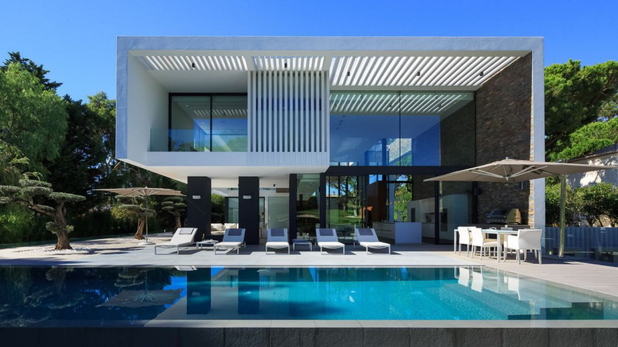 Modern Villa Darzi in Portugal by Arquimais Architecture and Design