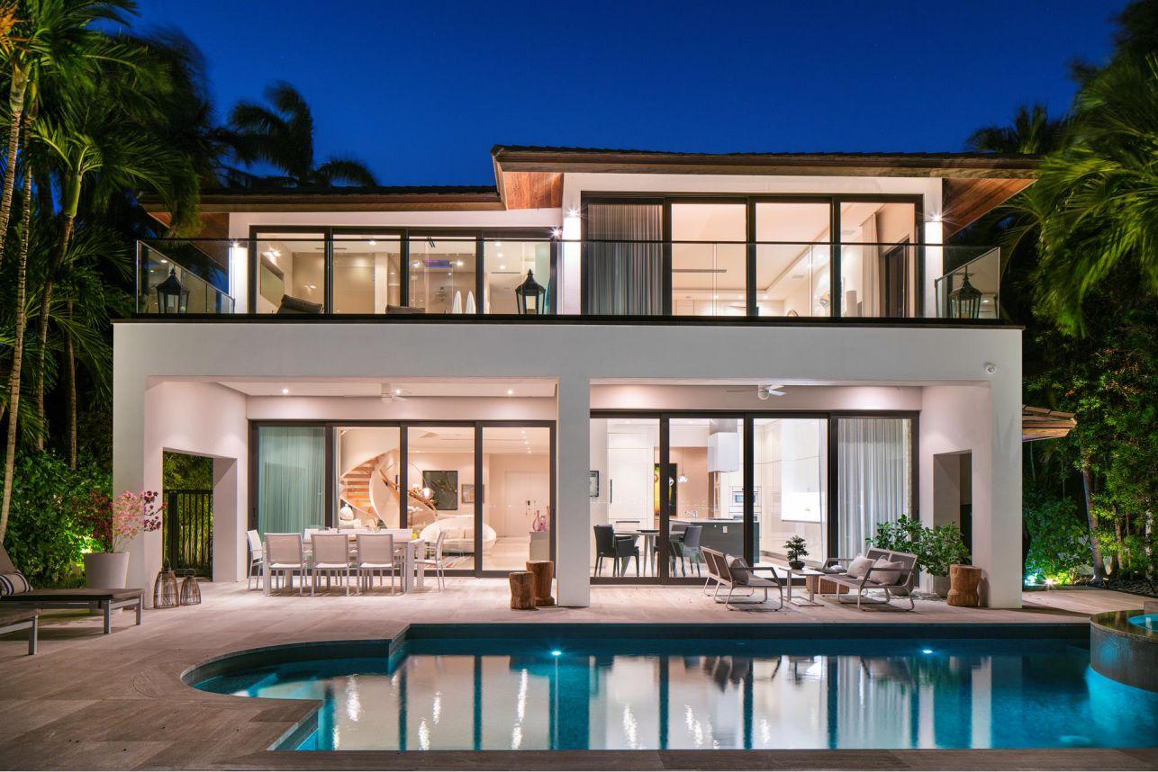 Tropical Modern Home In Miami Beach Florida
