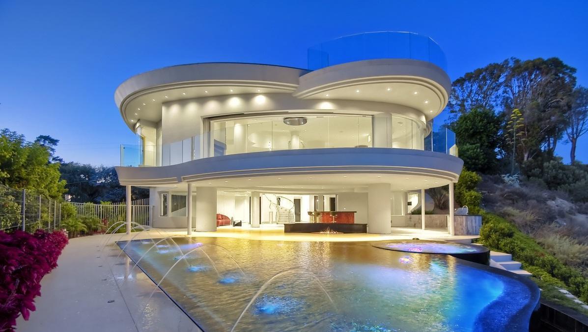 Architectural masterpiece in La Jolla, California