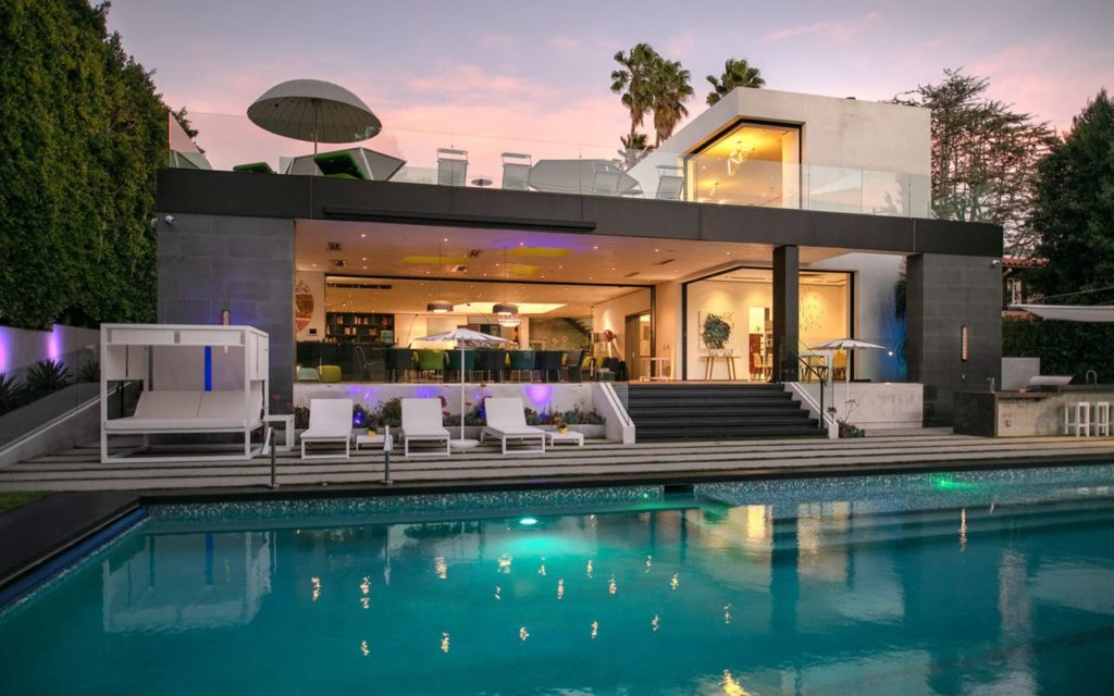 Modern Home in Los Angeles, luxury house