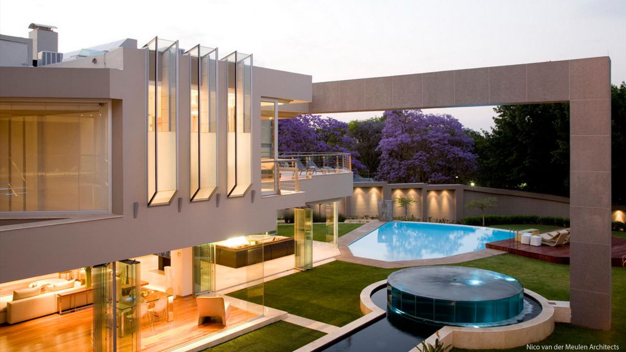 Glass House in South Africa by Nico van der Meulen