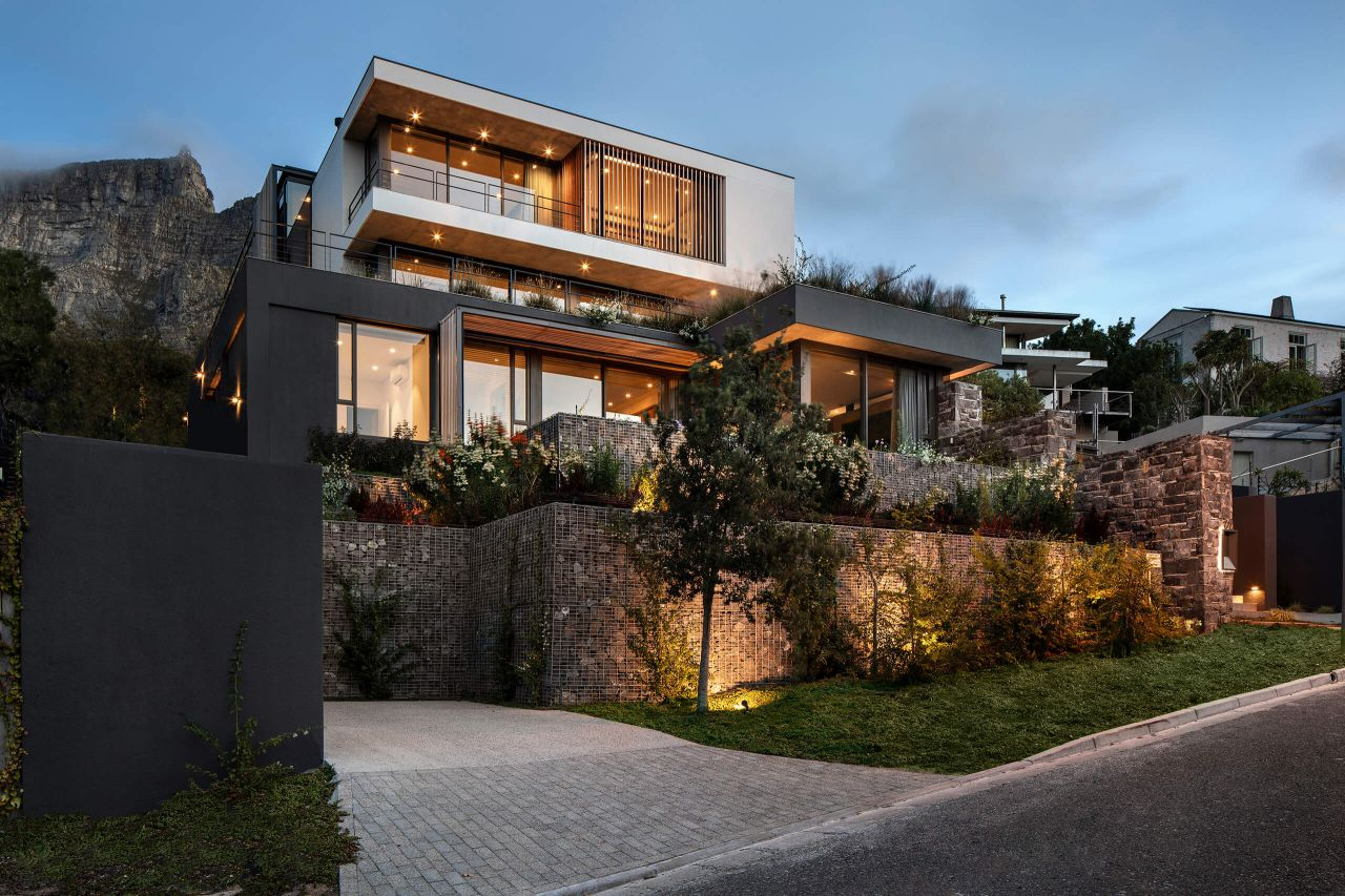 Higgo Road Modern House in Cape Town by Malan Vorster Architects