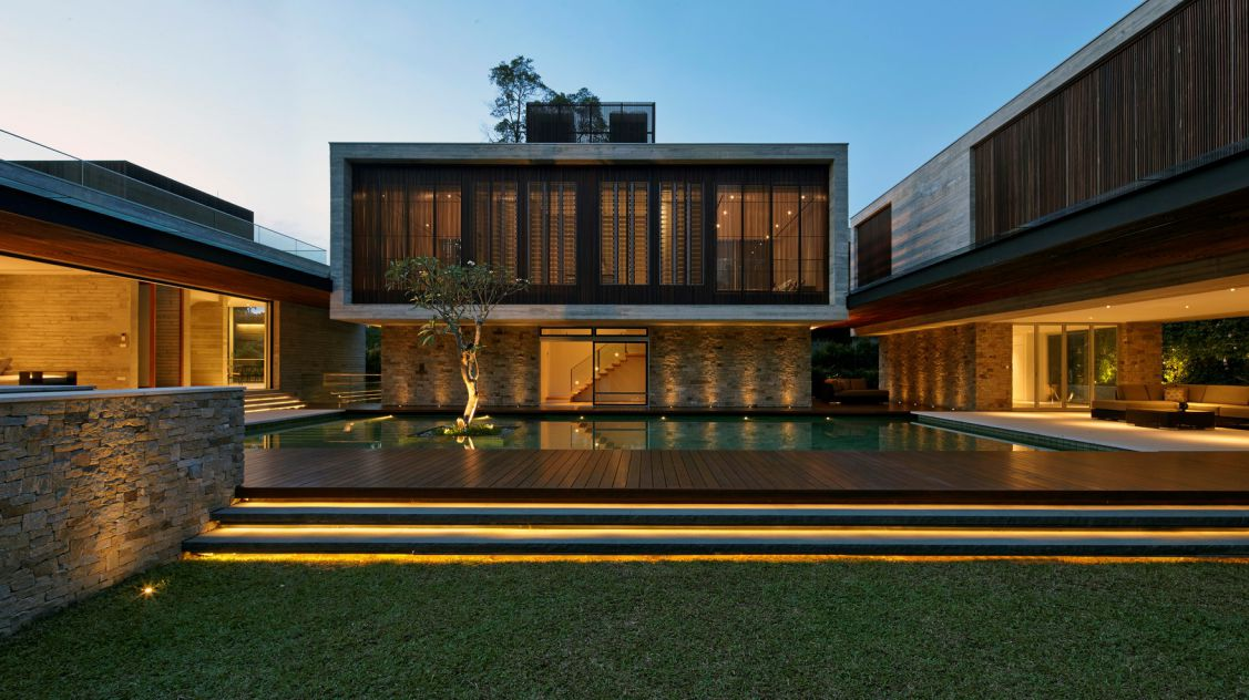 Spectacular Modern Home in Singapore by Ong&Ong