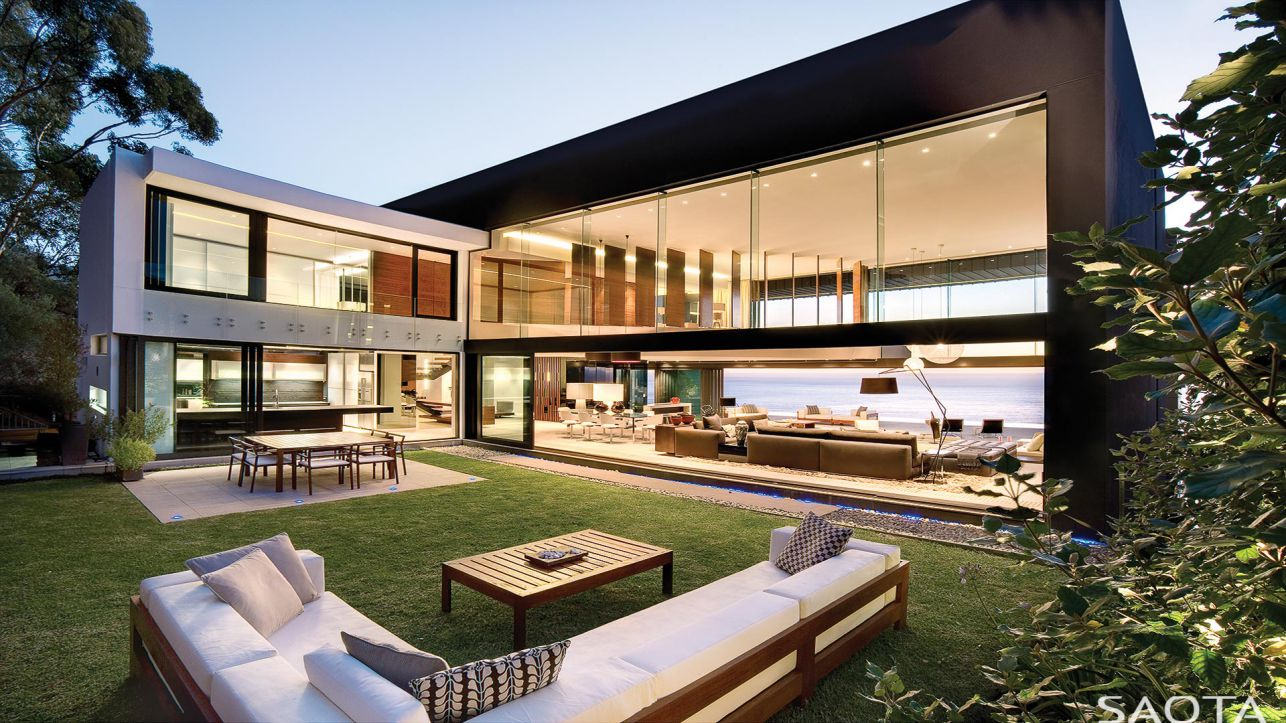 Extraordinary Nettleton 199 Modern Villa in South Africa by SAOTA