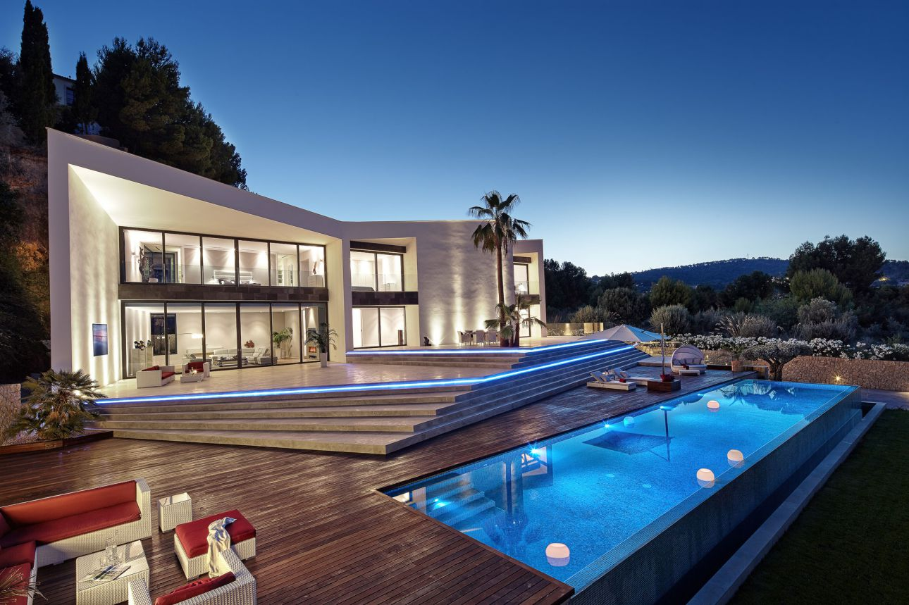 Luxury Villa in Spain – Spectacular Origami Residence