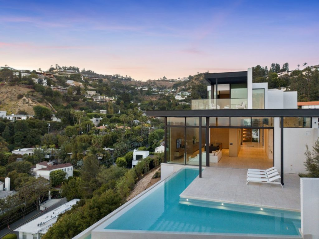 Thrasher Avenue Modern Home, luxury houses