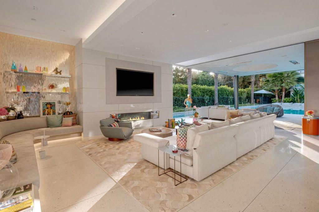 Beverly Hills Modern Mansion, real estates news