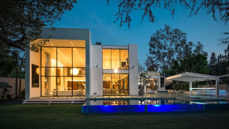 New Listing – A Gorgeous Estate in Beverly Hills offered for $74,900 per Month