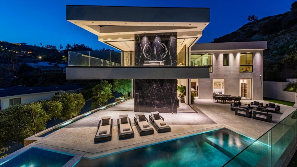North Doheny Drive Residence, luxury houses