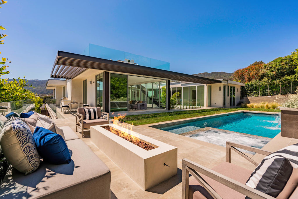 Modern Home in Pacific Palisades, luxury houses