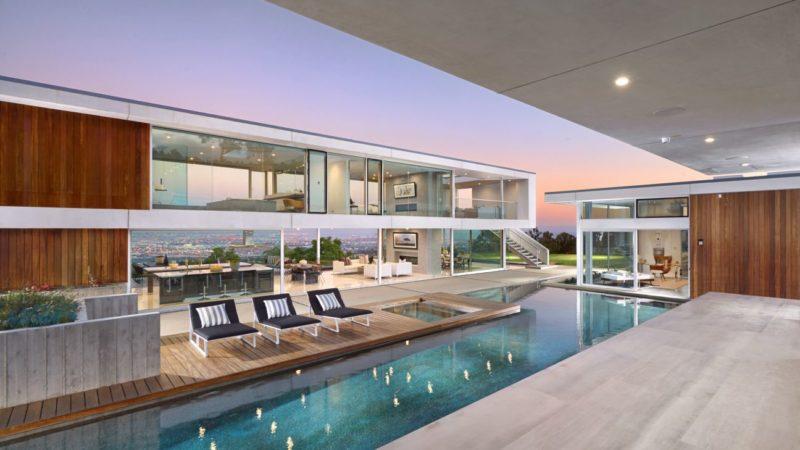 Tour of A Sleek Contemporary Architecture in Rancho Palos Verde, California