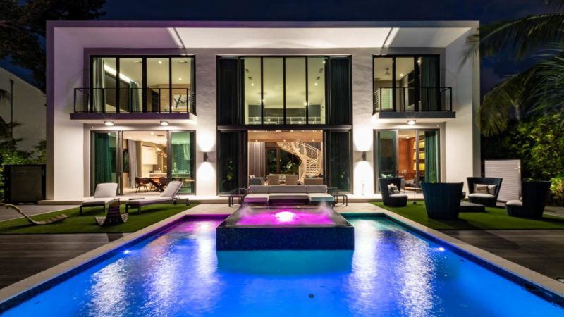 Tour of A Modern Home for The Ultimate Miami Beach Lifestyle