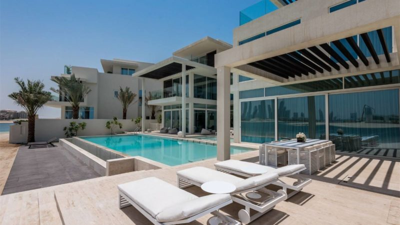 Luxury Tip Villa in Palm Jumeirah, Dubai, UAE