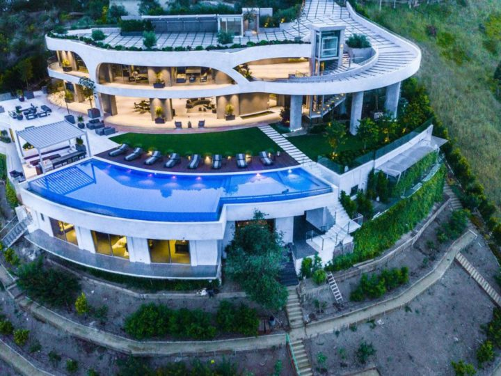 $36,000,000 Ultra-private Retreat and Conveniently Located Los Angeles Modern Mansion