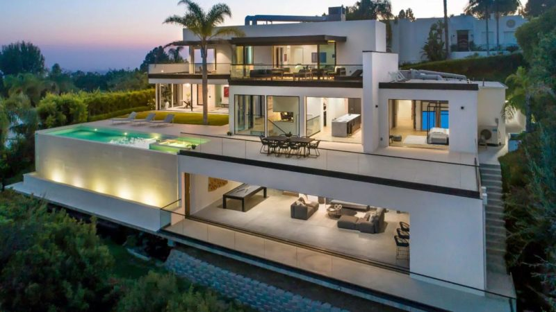 Exceptional Ultra-modern Trophy Property in Beverly Hills backs to Market for $12,850,000