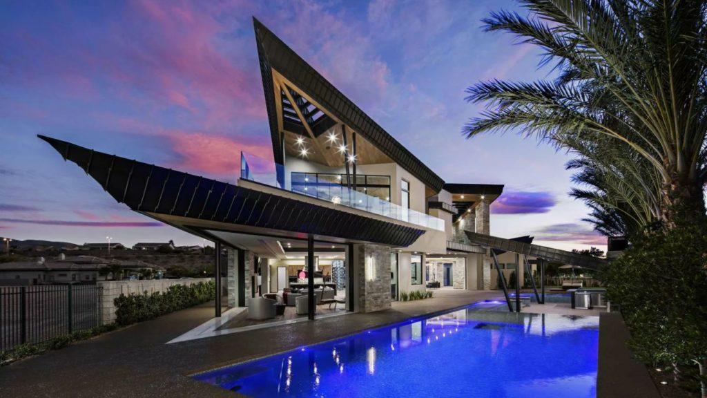 Ultra-modern Home