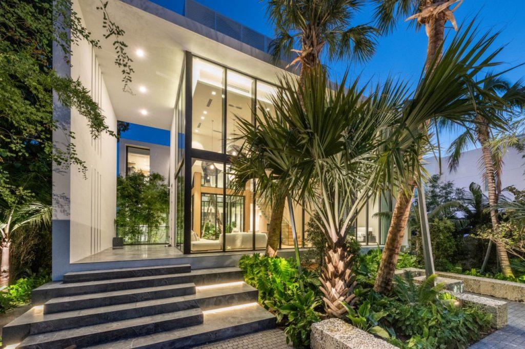 Hibiscus Island Modern House