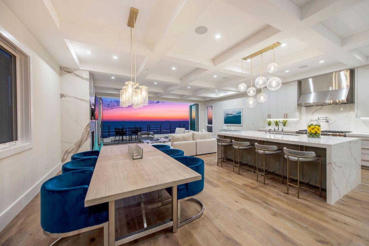 Home in Manhattan Beach