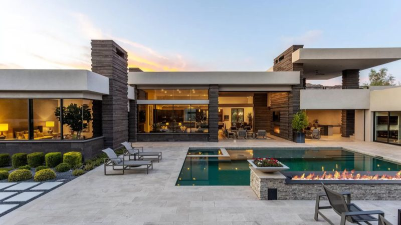 Multi Award Winning Estate in Paradise Valley Listed for $4,990,000