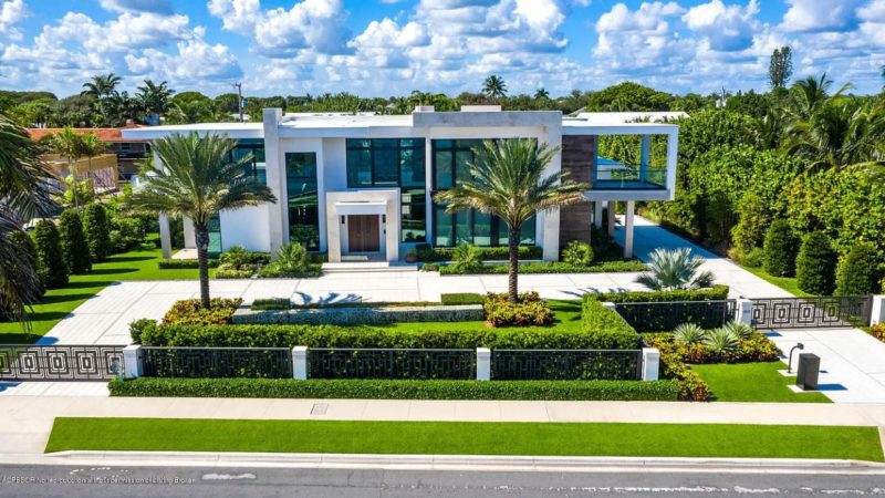 A West Palm Beach Contemporary Modern Home Listed for $8,650,000