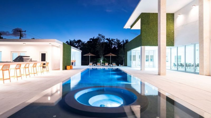 New Listing – $5,250,000 New Estate with World Class Interiors in Pinecrest