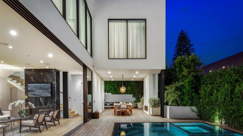 Generous Beverly Grove Contemporary Estate offered for $21,000 per Month