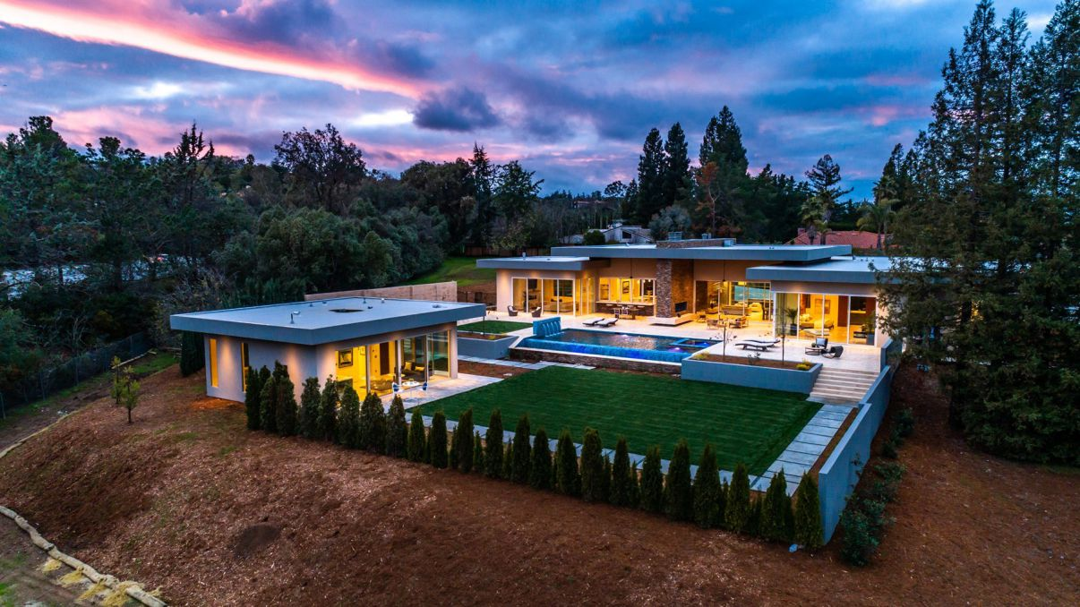 A Masterful Expression of Contemporary Design in Los Altos Hills Offered at $10,800,000