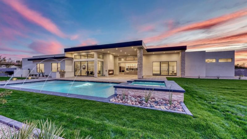 Contemporary Home On the doorstep of Camelback Mountain offered at $3,200,000