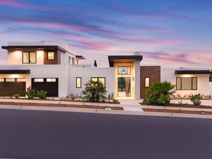 La Jolla Modern Home offers Sweeping Views of The Ocean Listed for $4,895,000
