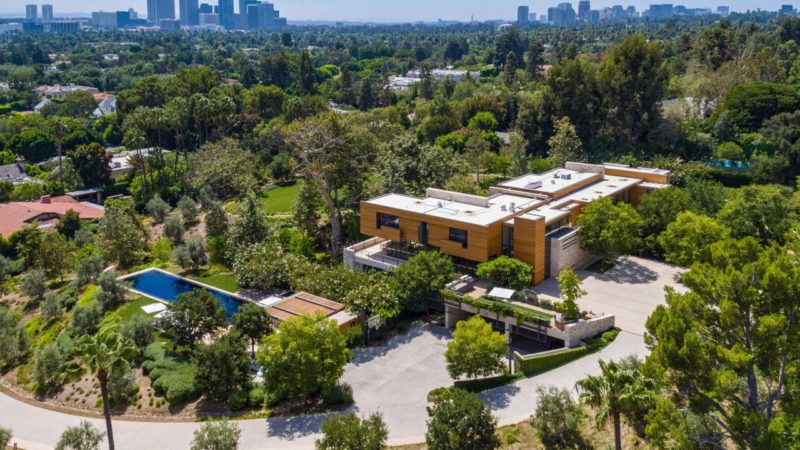 The Foothill Estate – Iconic Architecture of Beverly Hills on The Market for $82.5 Million