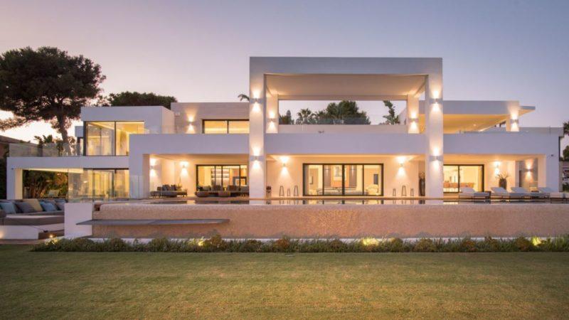 Spectacular El Paraiso Barronal Modern Villa in Spain